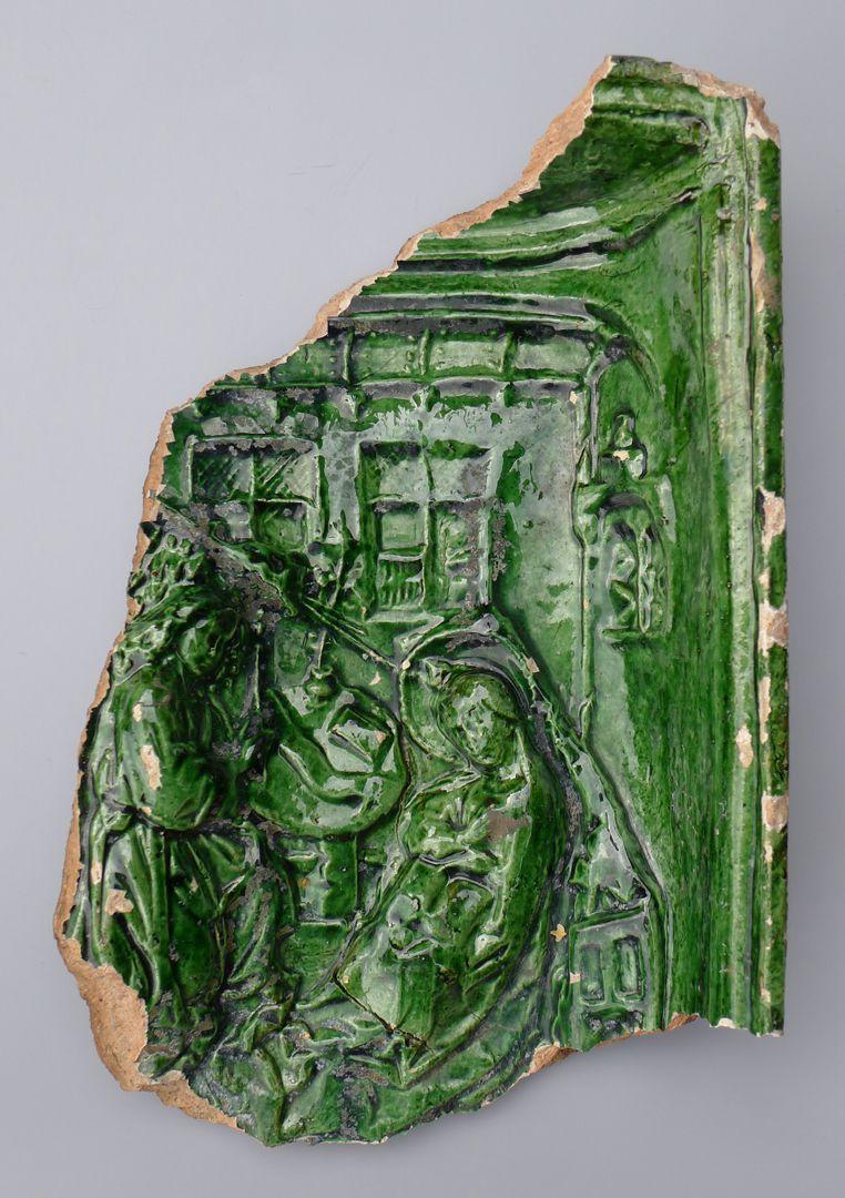 Maria, St. Georg und Friedrich III. (Prunkkachelofen) Kachelfragment mit der Verkündigung an Maria in einem Interieur nach Robert Campin