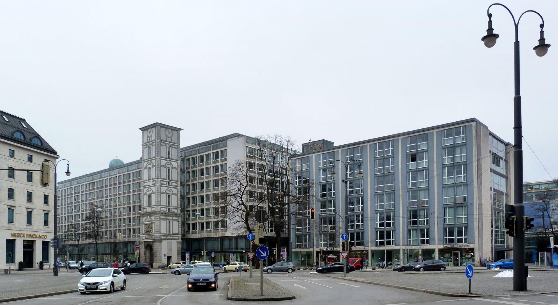 Herzog-Max-Burg, (Herzog-Max-Castle) Munich, Court Building Total view