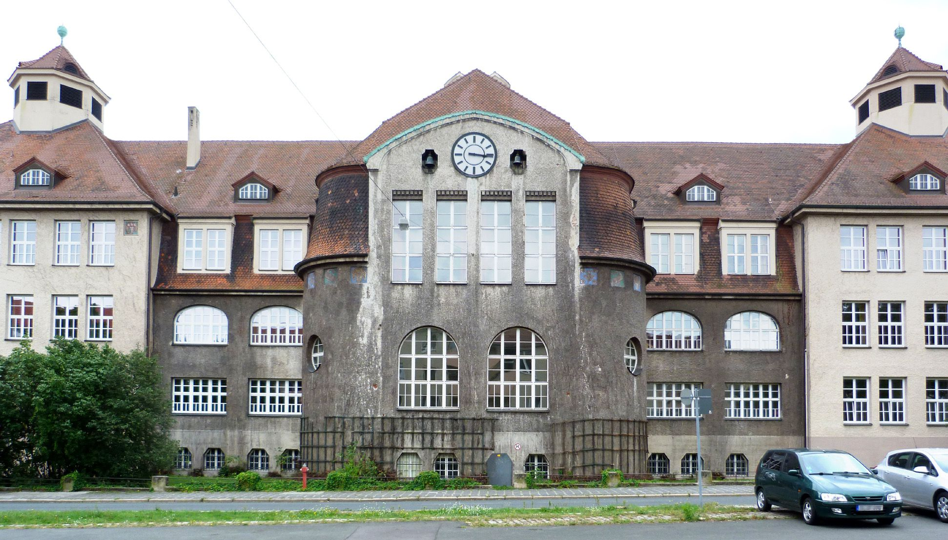 Georg-Paul-Amberger-School View from the northwest