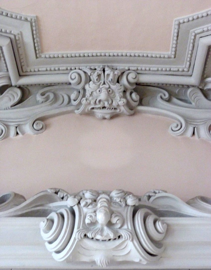 Stuccoed ceiling in the Builders´ house northern front side, detail
