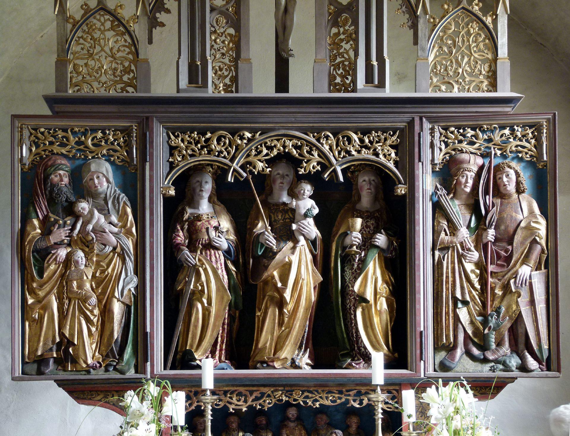 Beerbacher Altar ev. Pfarrkirche, Flügelaltar, (Altarschrein 1875 verkürzt, Gesprenge geändert)