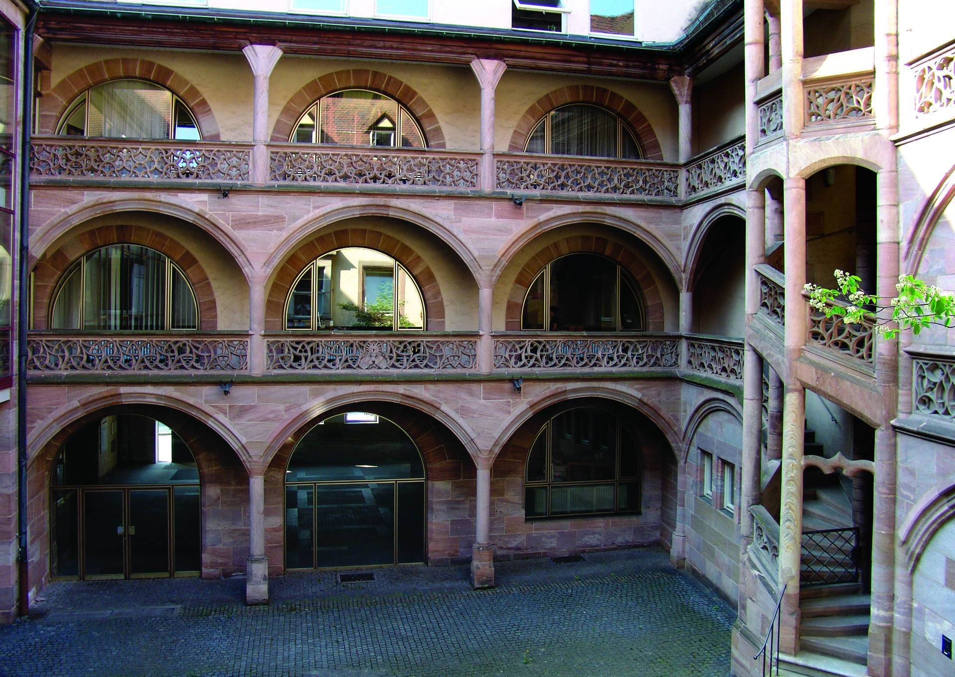 Welser Hof (Welser Court) Inner courtyard with arcades