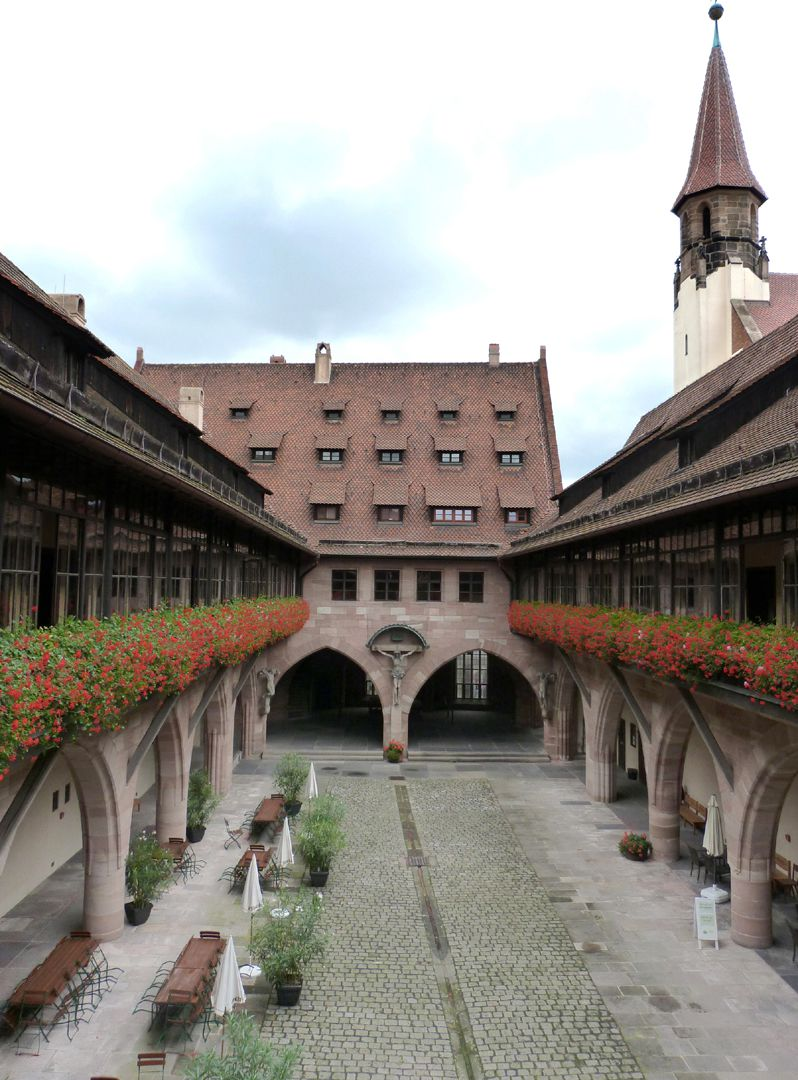 Hospice of the Holy Spirit Courtyard with arcades, named crucifixion yard, since in 1904 the crucifixion group by Adam Kraft was transferred here, originally apartments of the beneficiaries – now as at that time an elderly people´s home