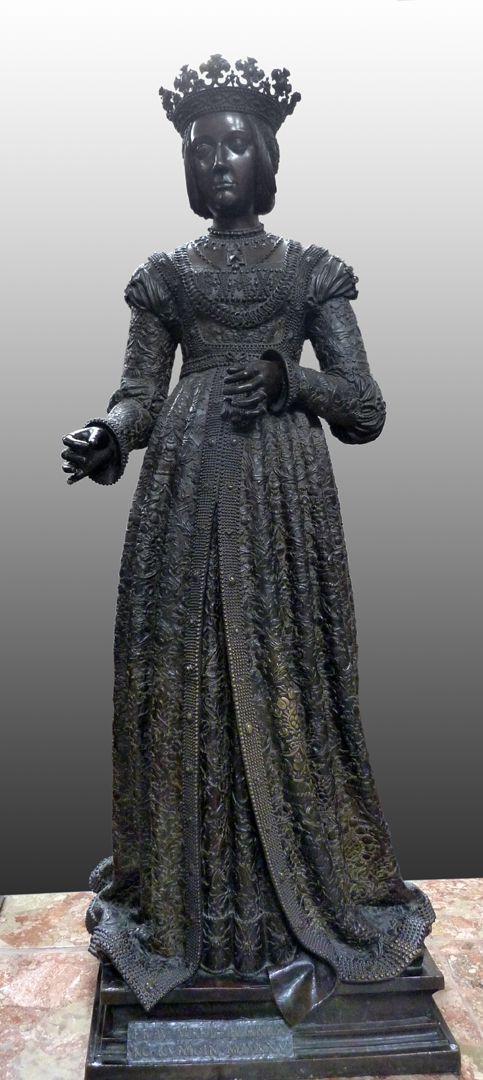 Empress Bianca Maria Sforza (Innsbruck) Front view