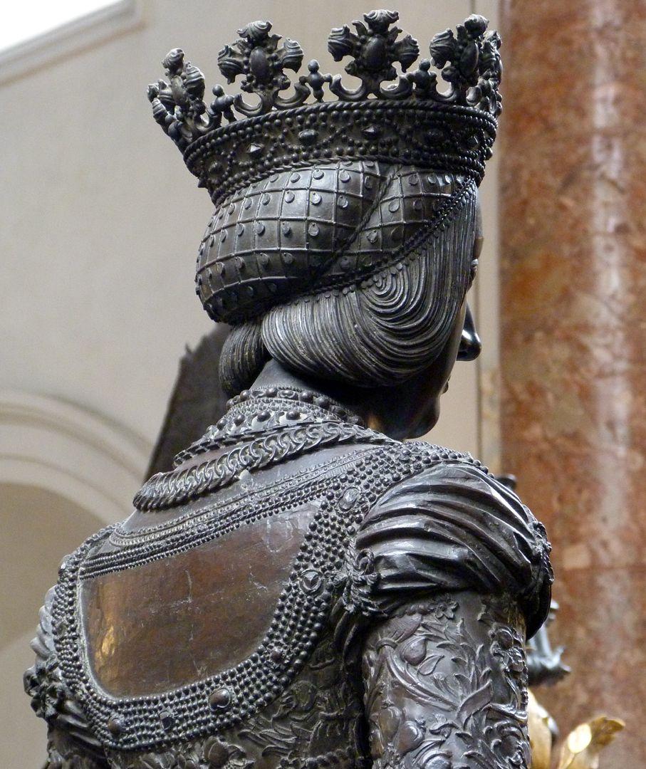 Empress Bianca Maria Sforza (Innsbruck) Head and schoulders, diagonal view