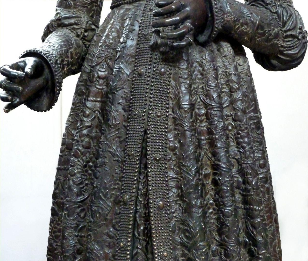 Empress Bianca Maria Sforza (Innsbruck) Garment, detail, front view