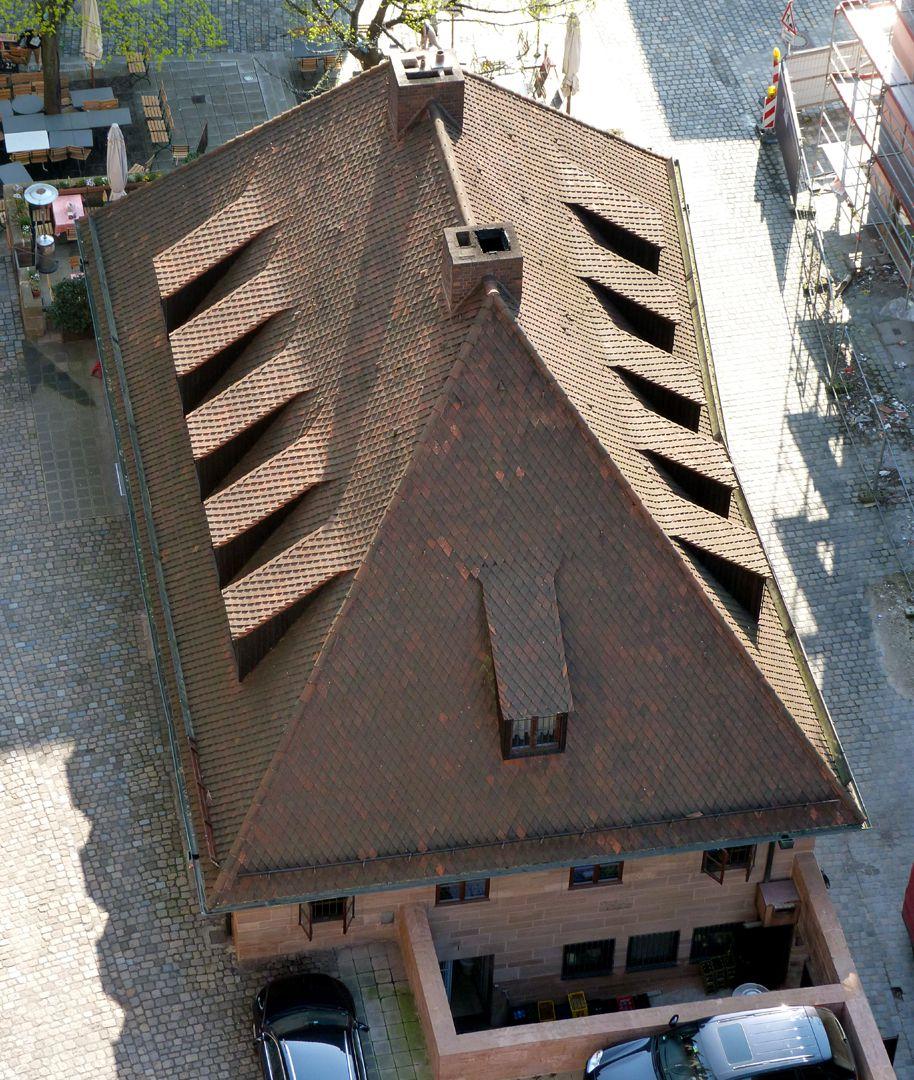 Bratwursthäusle Hip roof