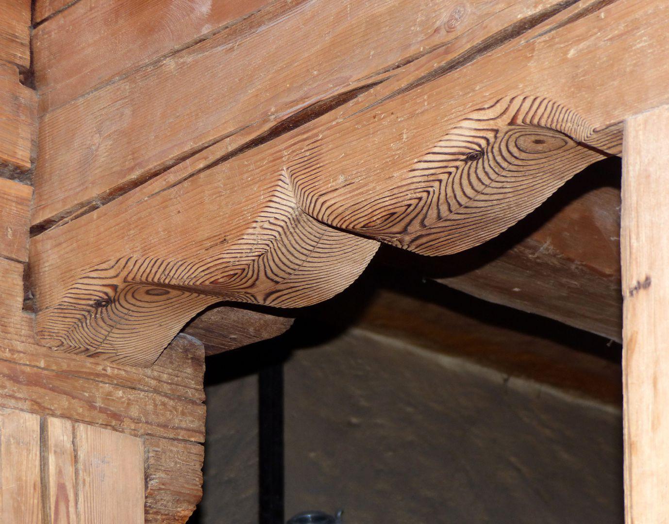 """Bratwursthäusle Left wood chamber, """"donkey back"""" arch"""