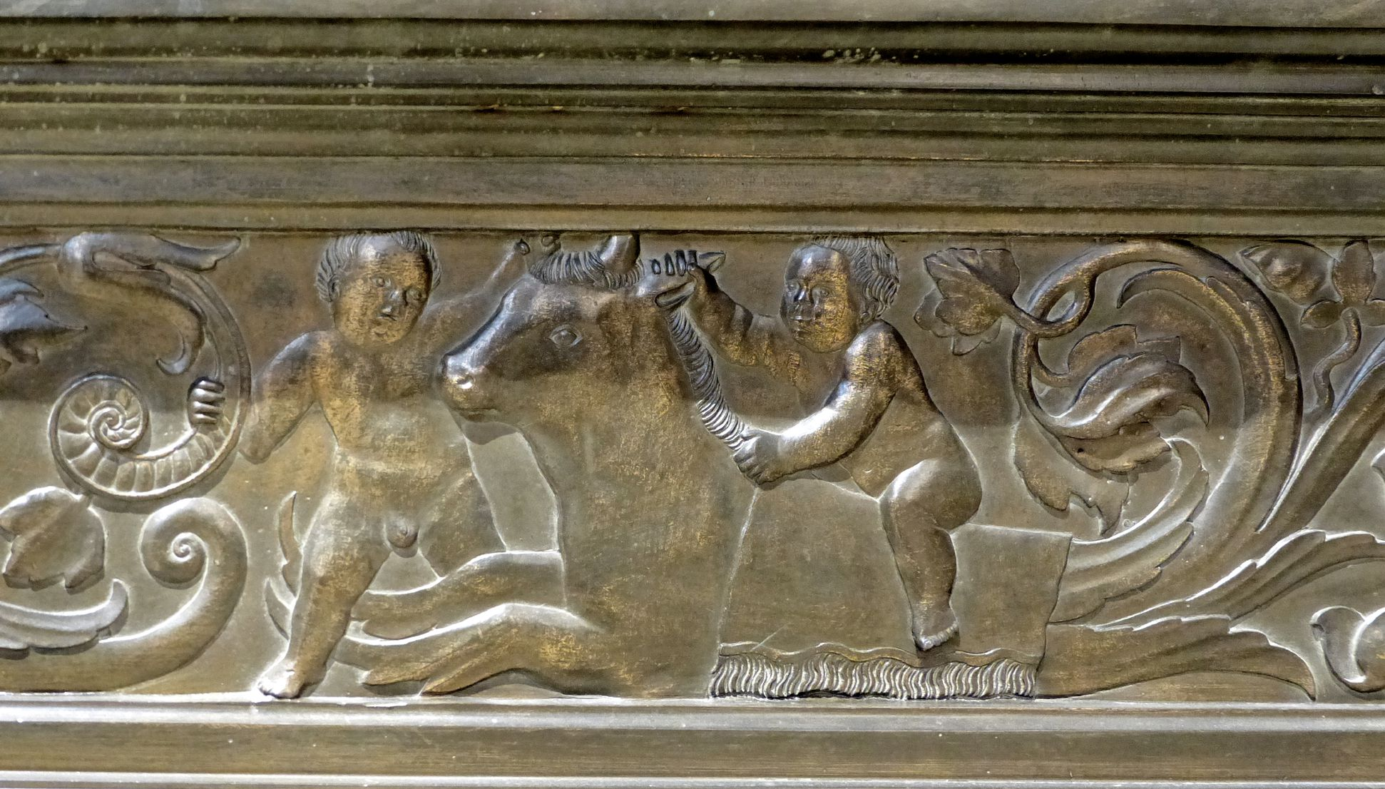 Tomb of Frederick the Wise (Wittenberg) Tomb slab, basis: with taurus/mythical creatures, playing putti, right