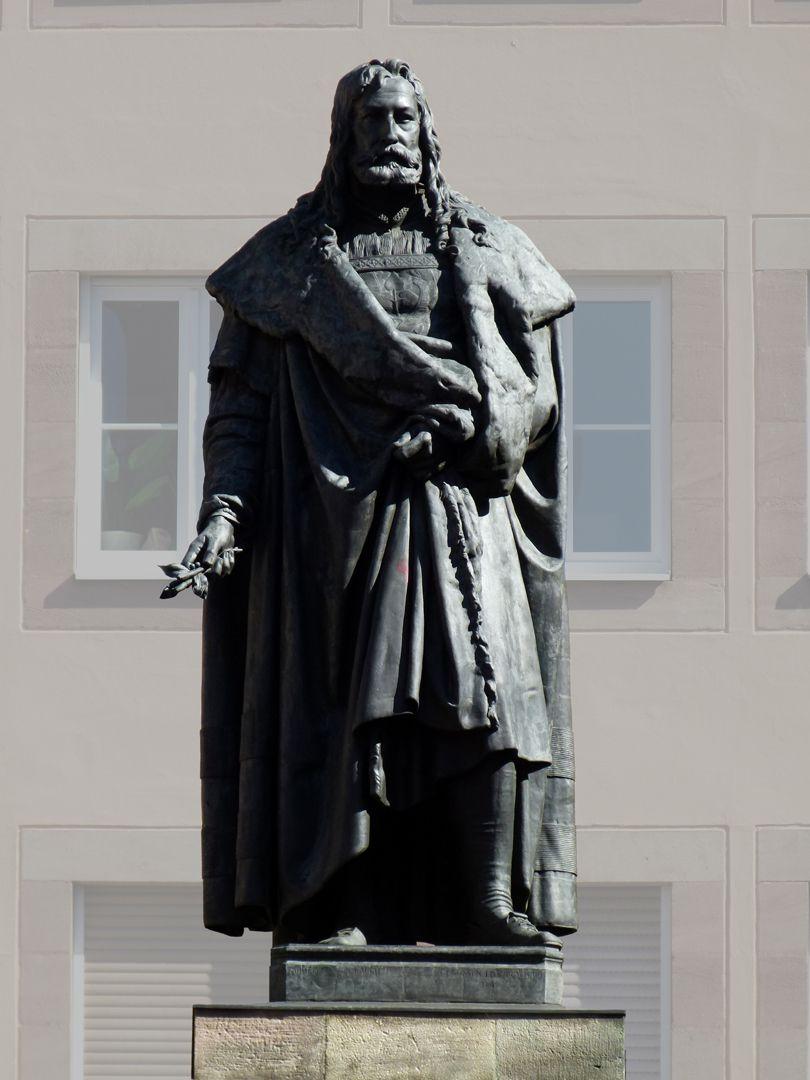Monument of Albrecht Durer Front view