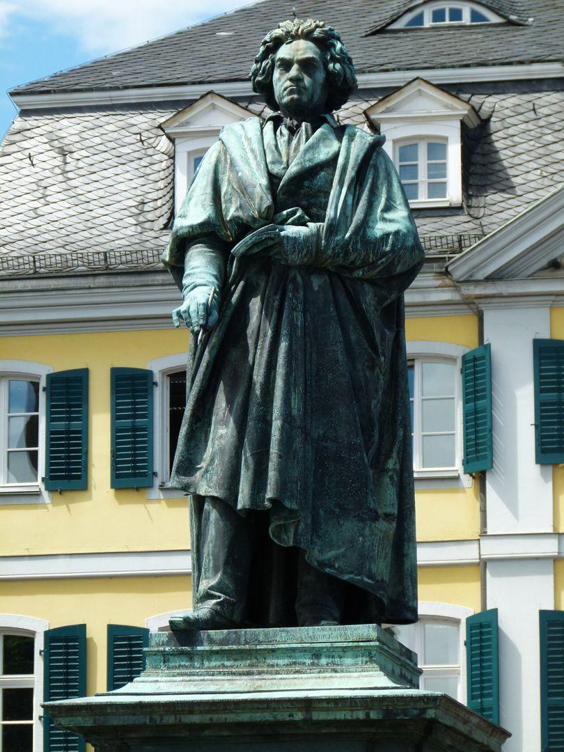 Monument of Beethoven (Bonn) Standing figure