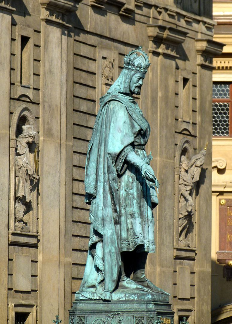 Monument of Charles IV (Prague) Standing figure of the emperor