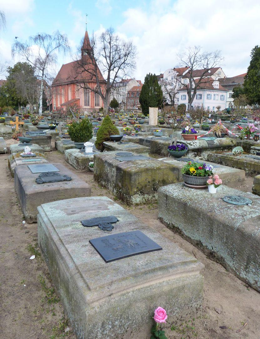 Carlos Pascual Grabstätte Lage im Gräberfeld