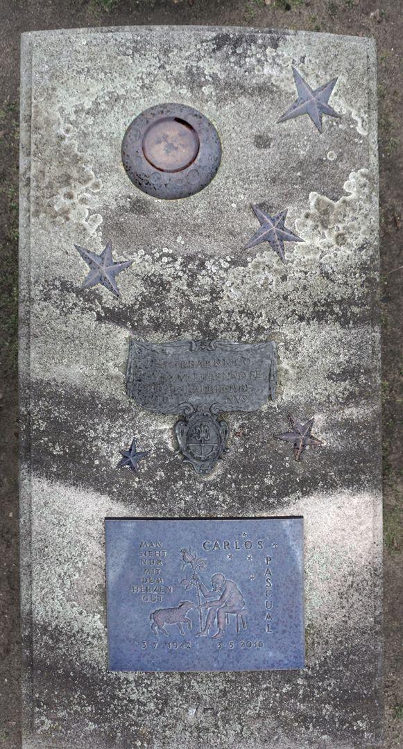 Carlos Pascual Grabstätte Ansicht von oben