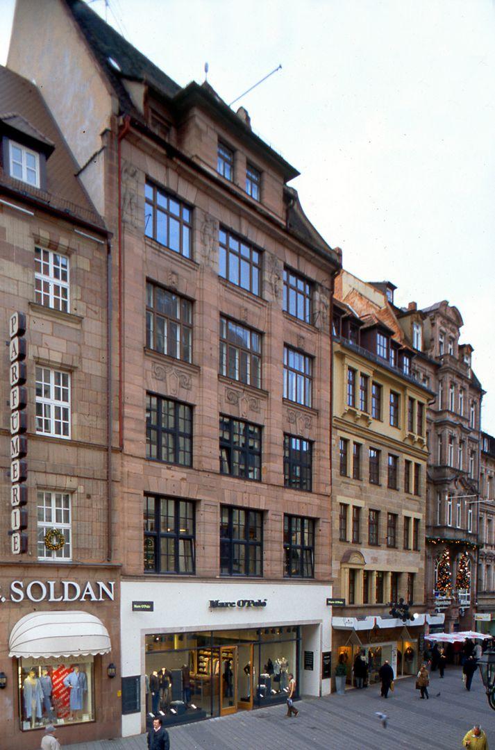 Business- and office building, Hefnersplatz 7 General view