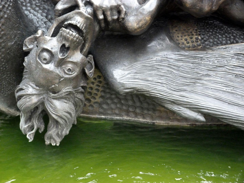 """Marriage carousel/ Hans Sachs Fountain """"Hell Dragon"""", detail"""