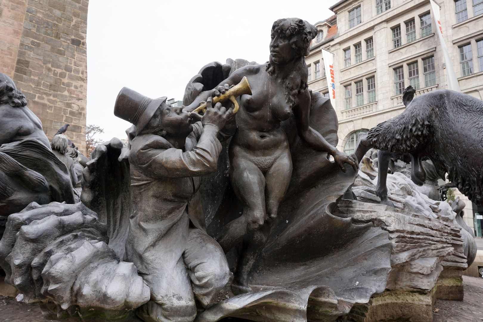 """Marriage carousel/ Hans Sachs Fountain """"Venus clam""""/""""He sings of naked beauty with his instrument, the shell becomes a fairground stall"""" (J.W.)"""