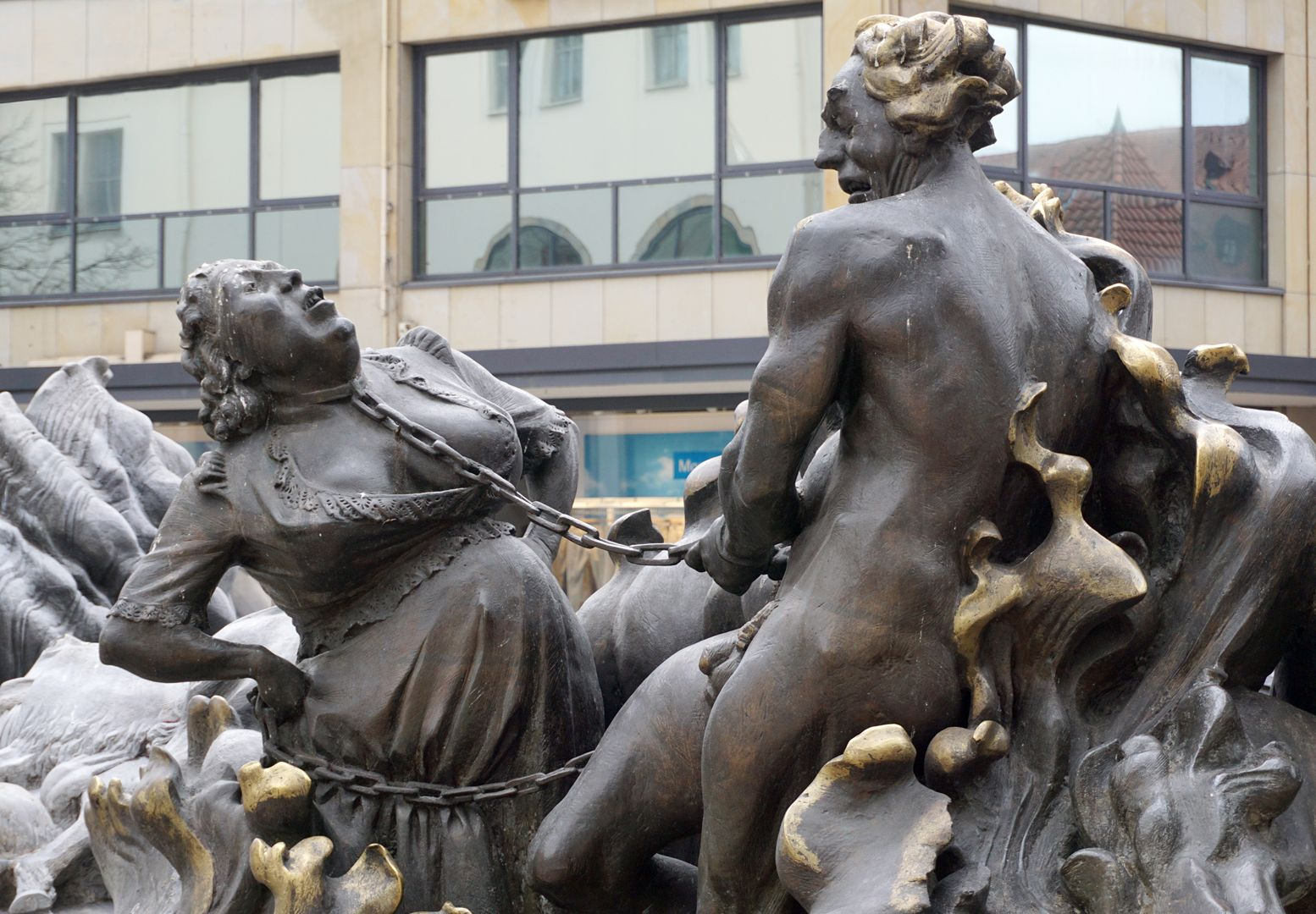 """Marriage carousel/ Hans Sachs Fountain """"Hell fire"""", husband and wife fettered together in hatred, the husband as a dancing male devil, the wife as a devilish female"""