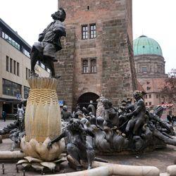 Marriage carousel/ Hans Sachs Fountain