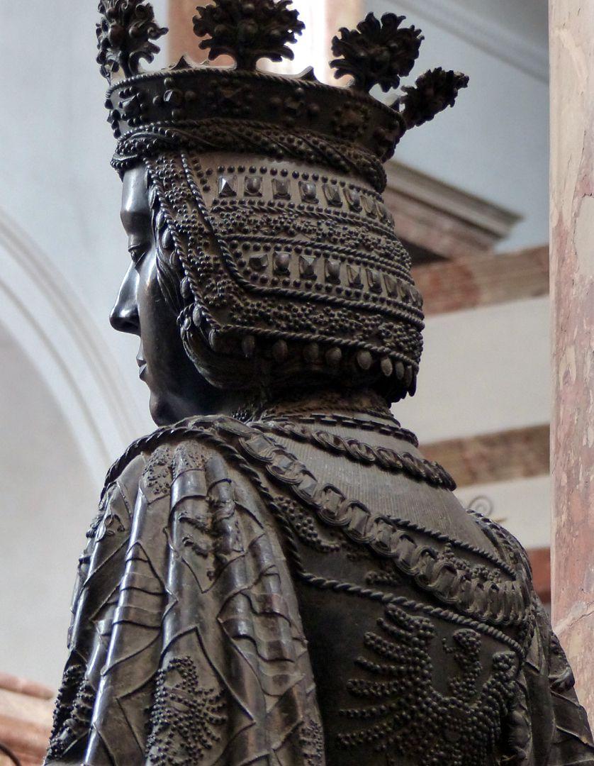 Elisabeth von Ungarn  (Innsbruck) Blick über die Schulter