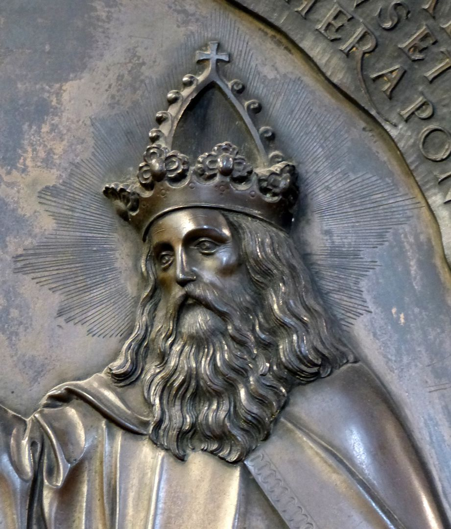 Epitaph of Provost Henning Göden (died 1521) God Father with imperial crown, detail