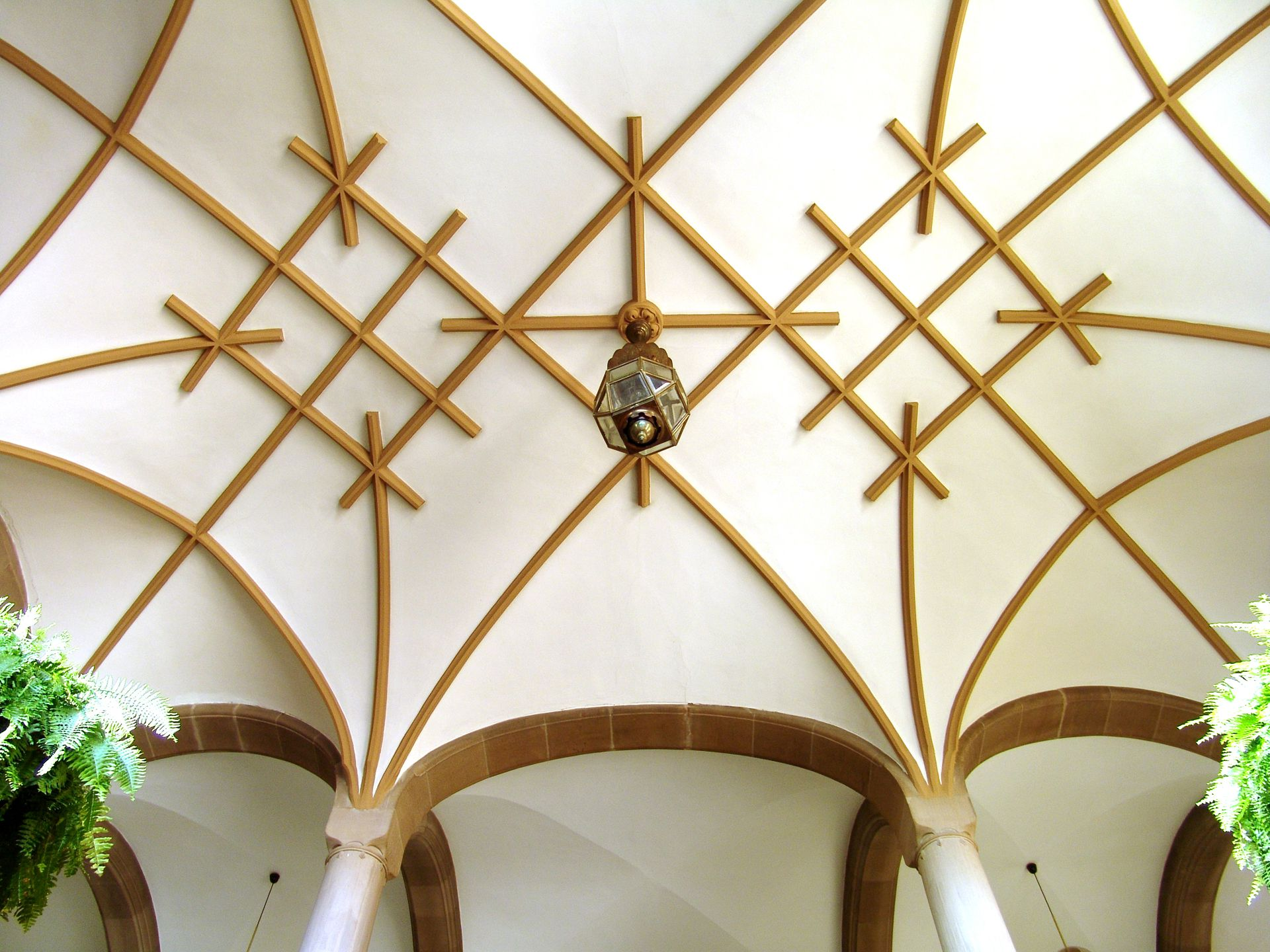 Social Court Ribbed vaulting in the stairwell