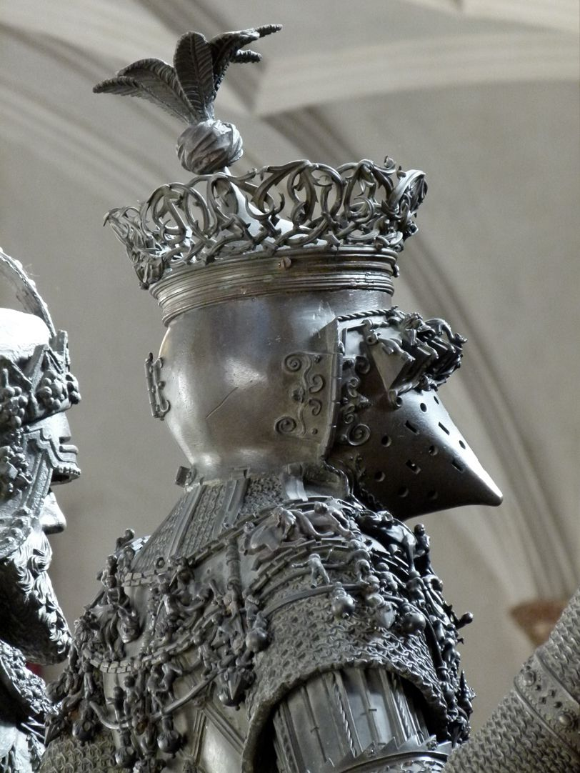 Ferdinand of Portugal (Innsbruck) Diagonal back view of shoulder and head