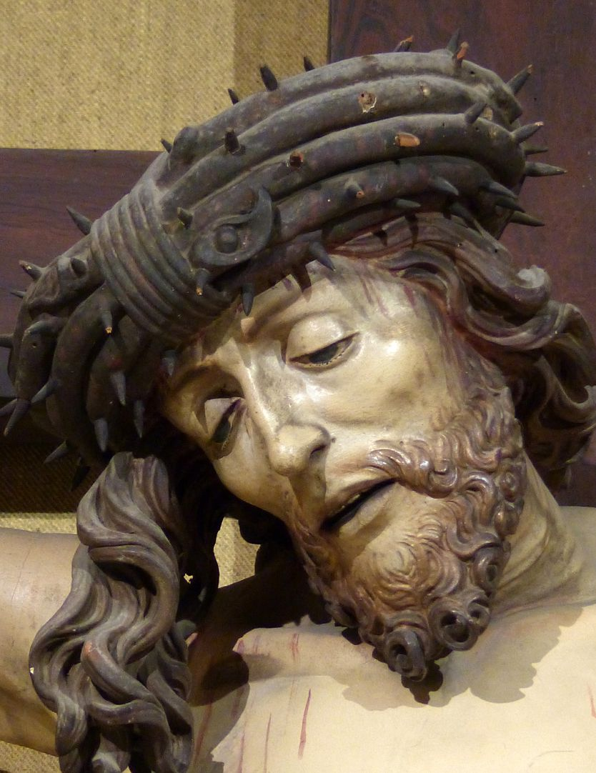 Crucifixus Jesus with crown of thorns