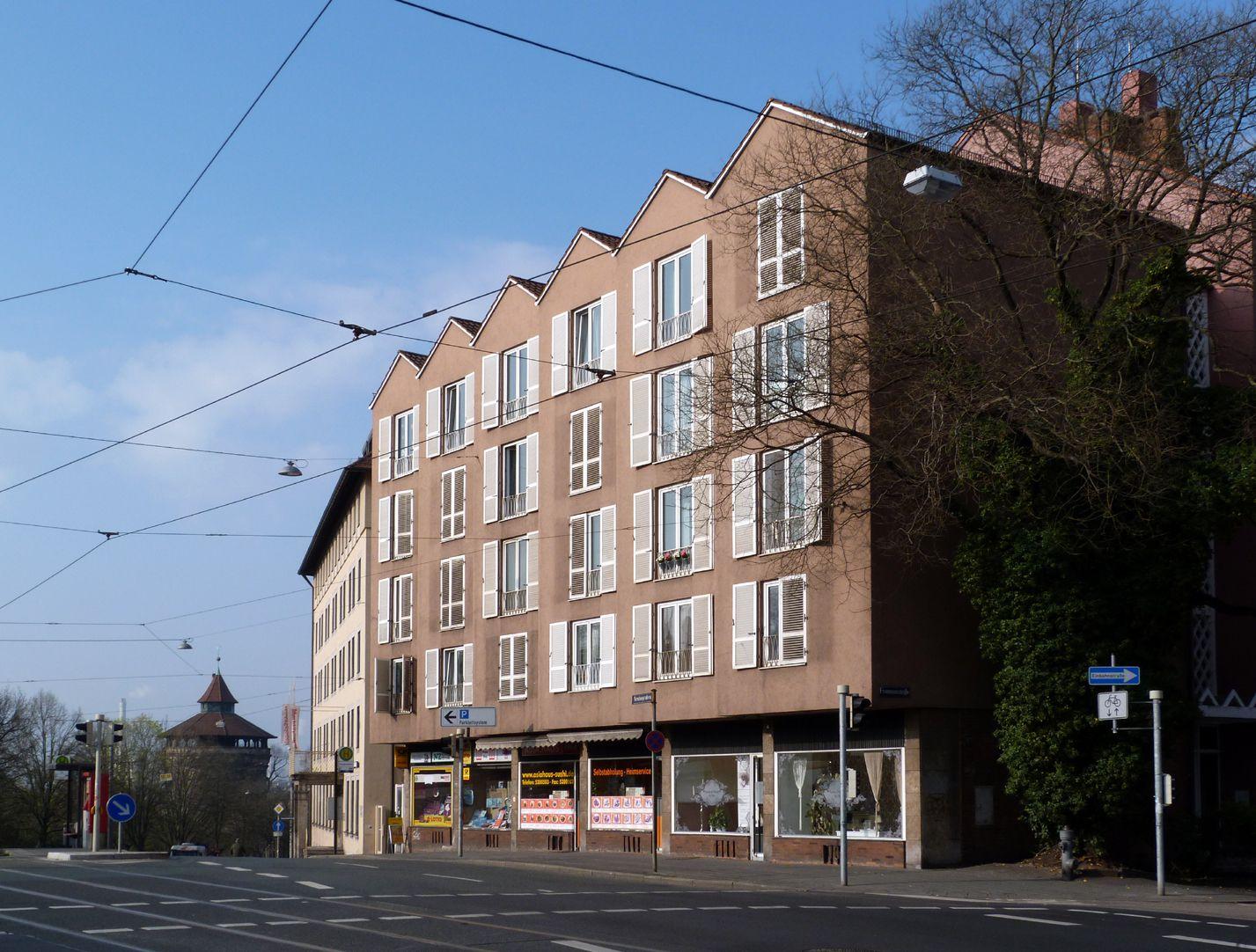 Residential- and business building Corner Neutorgraben / Frommannstraße