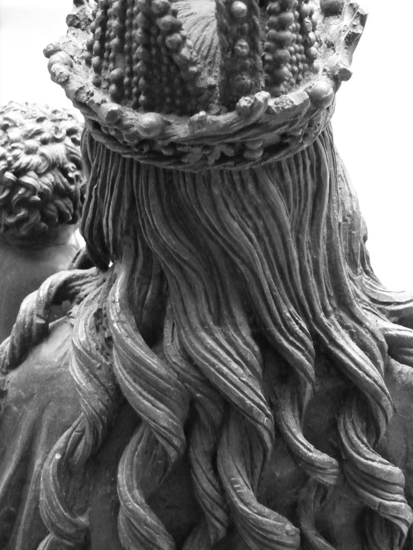Mary with Child Mary´s crown and hair