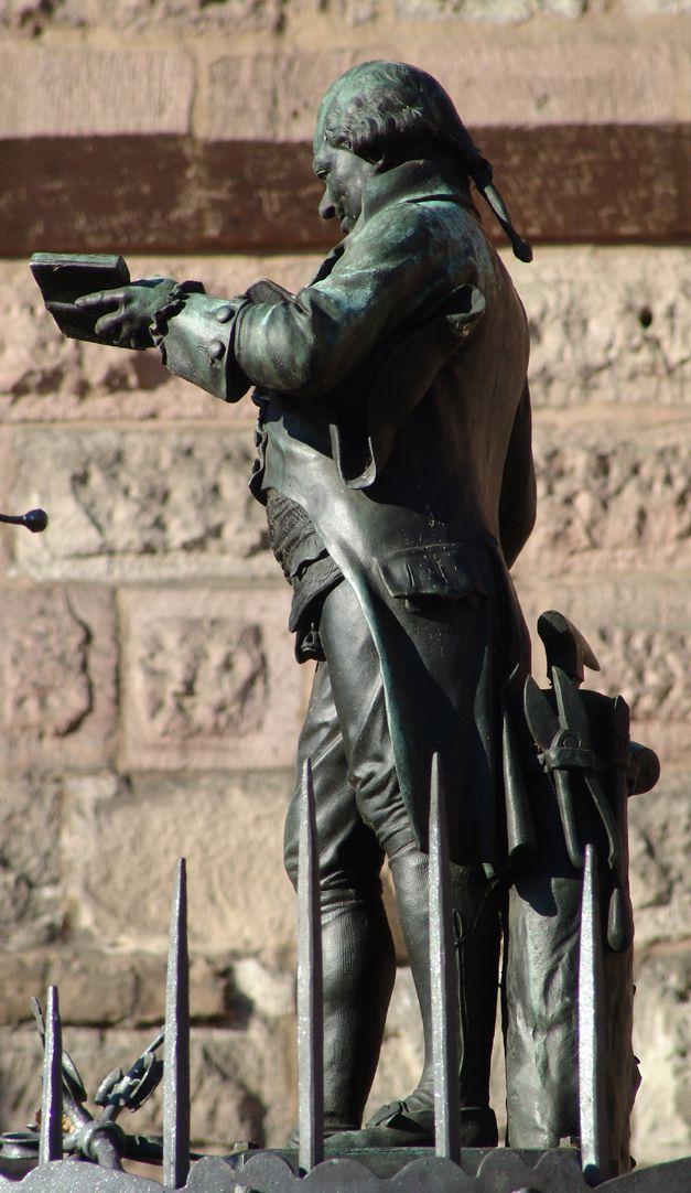 Grübelsbrunnen Seitenansicht auf die Figur des Johann Conrad Grübel