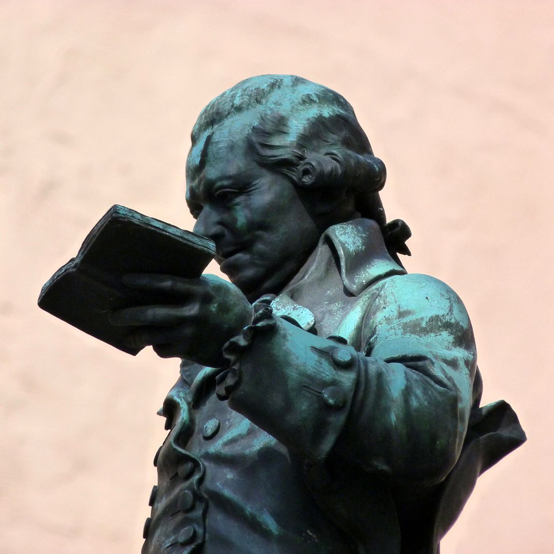 Grübelsbrunnen Detailansicht mit Buch