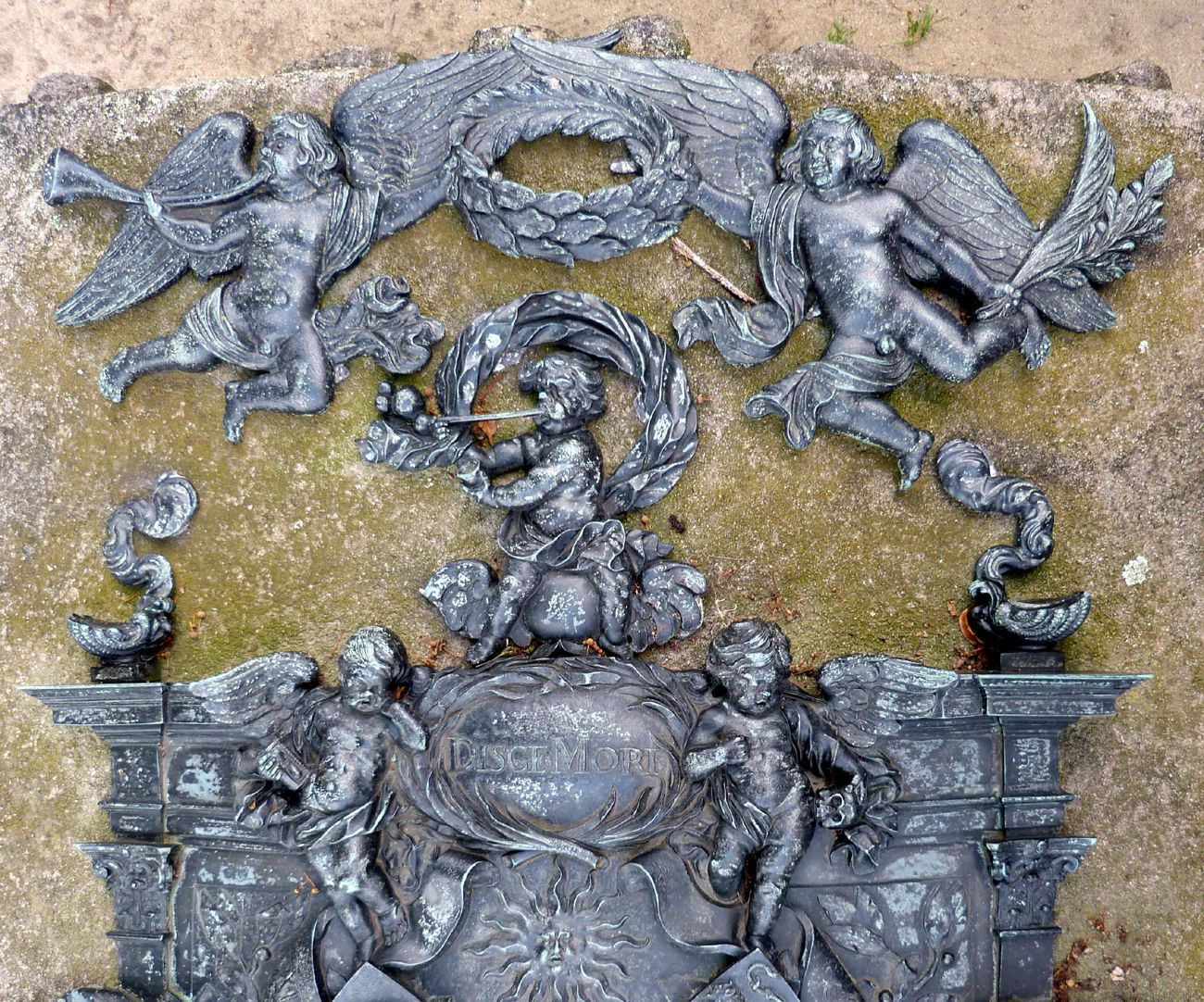 Epitaph of Andreas Georg Paumgartner Crowning Angels with trumpet and palm branch, below putto making soap bubbles