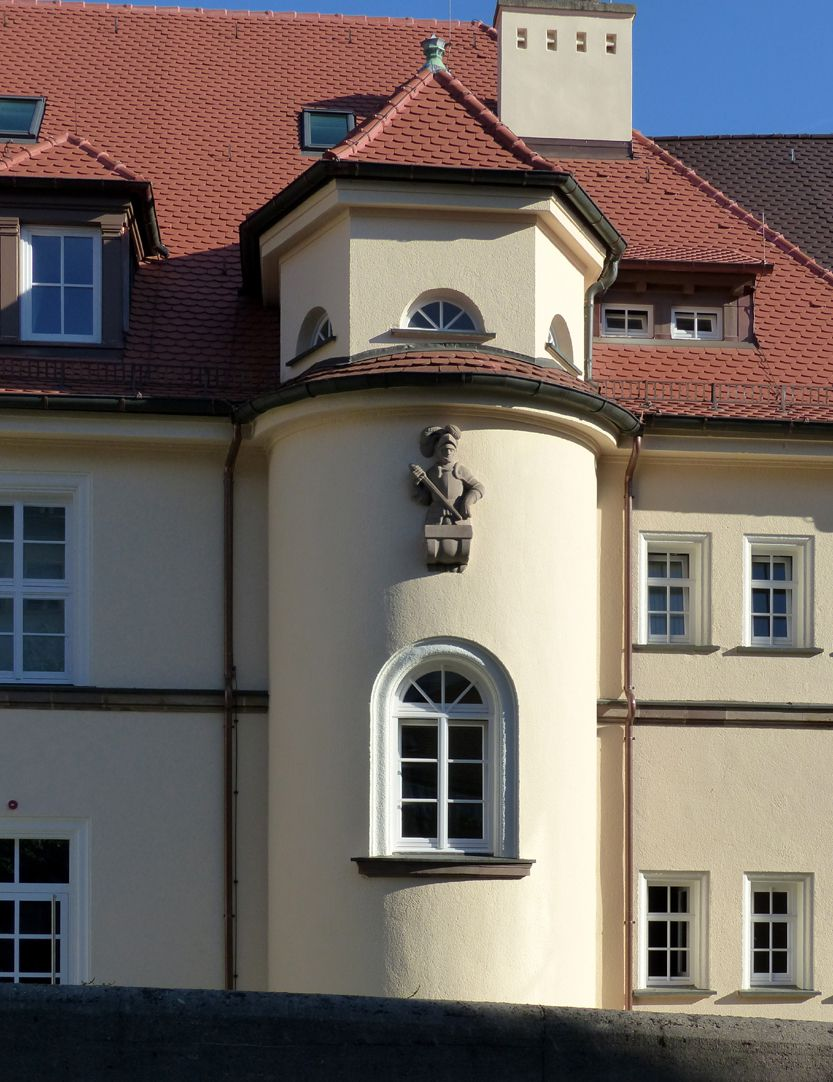 Former General Health Insurance Back front, Mühlgasse, semicircular stairwell