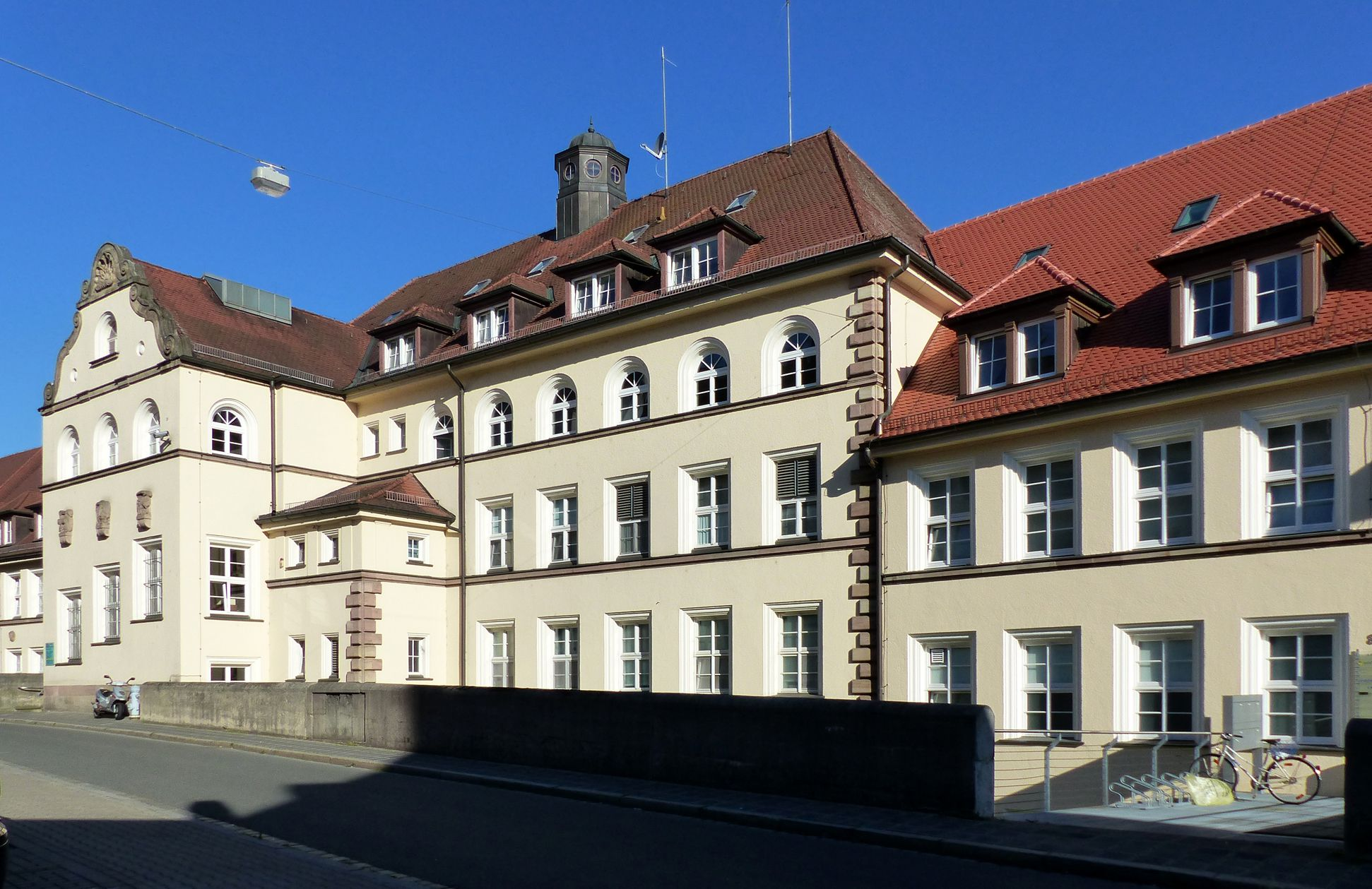 Former General Health Insurance Back front, Mühlgasse
