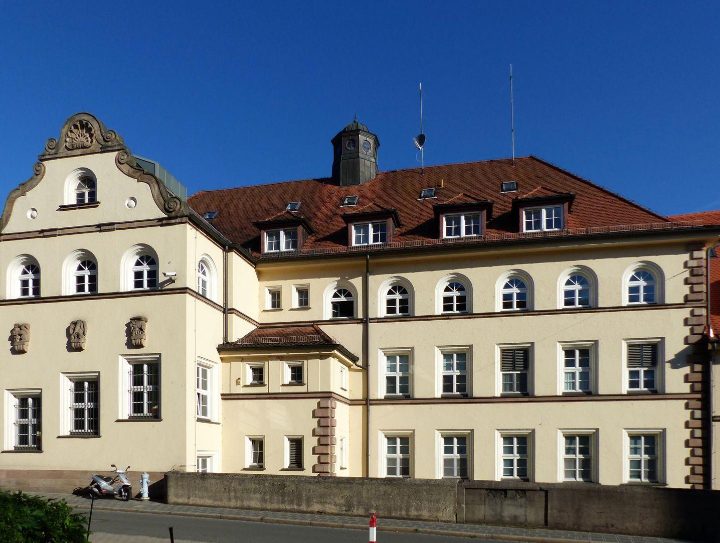Former General Health Insurance Back front, Mühlgasse, detail