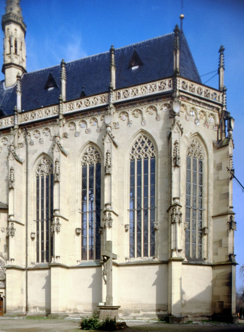 Knights`Chapel (Haßfurt) Choir from the southeast, consecrated in 1465 with changes by Heideloff from 1858 to 1864