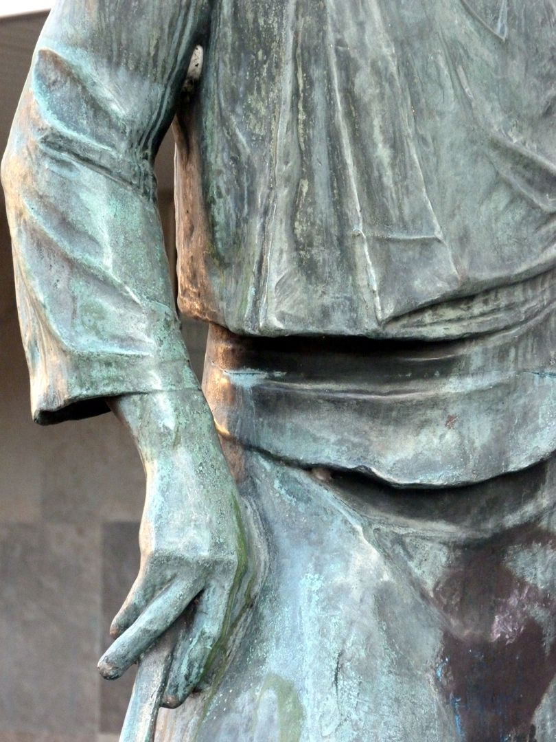 Master smith Detail view with right hand
