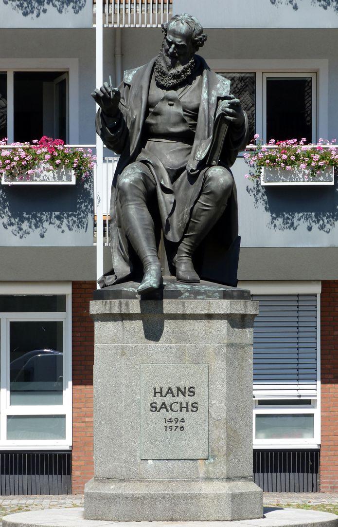 Hans- Sachs-Memorial Total view