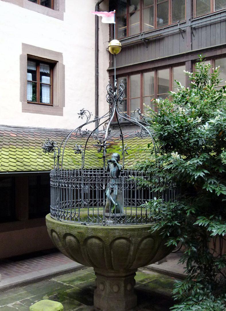 Hansel Fountain Hanselbrunnenhof