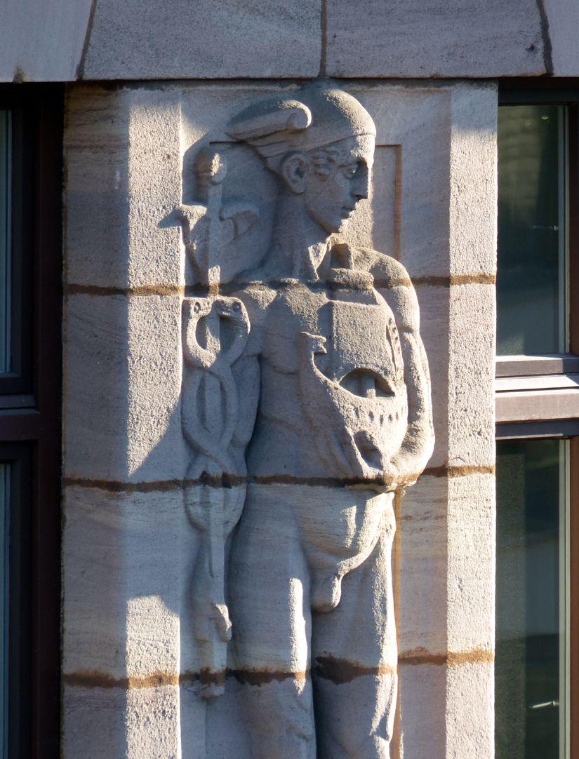 Business- and office building, Hefnersplatz 7 Hermes, relief fourth storey