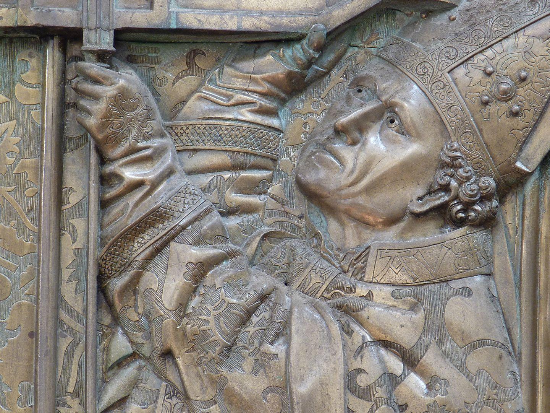 Memorial panel for Hariolf and Erlolf rechte Gestalt, Detail