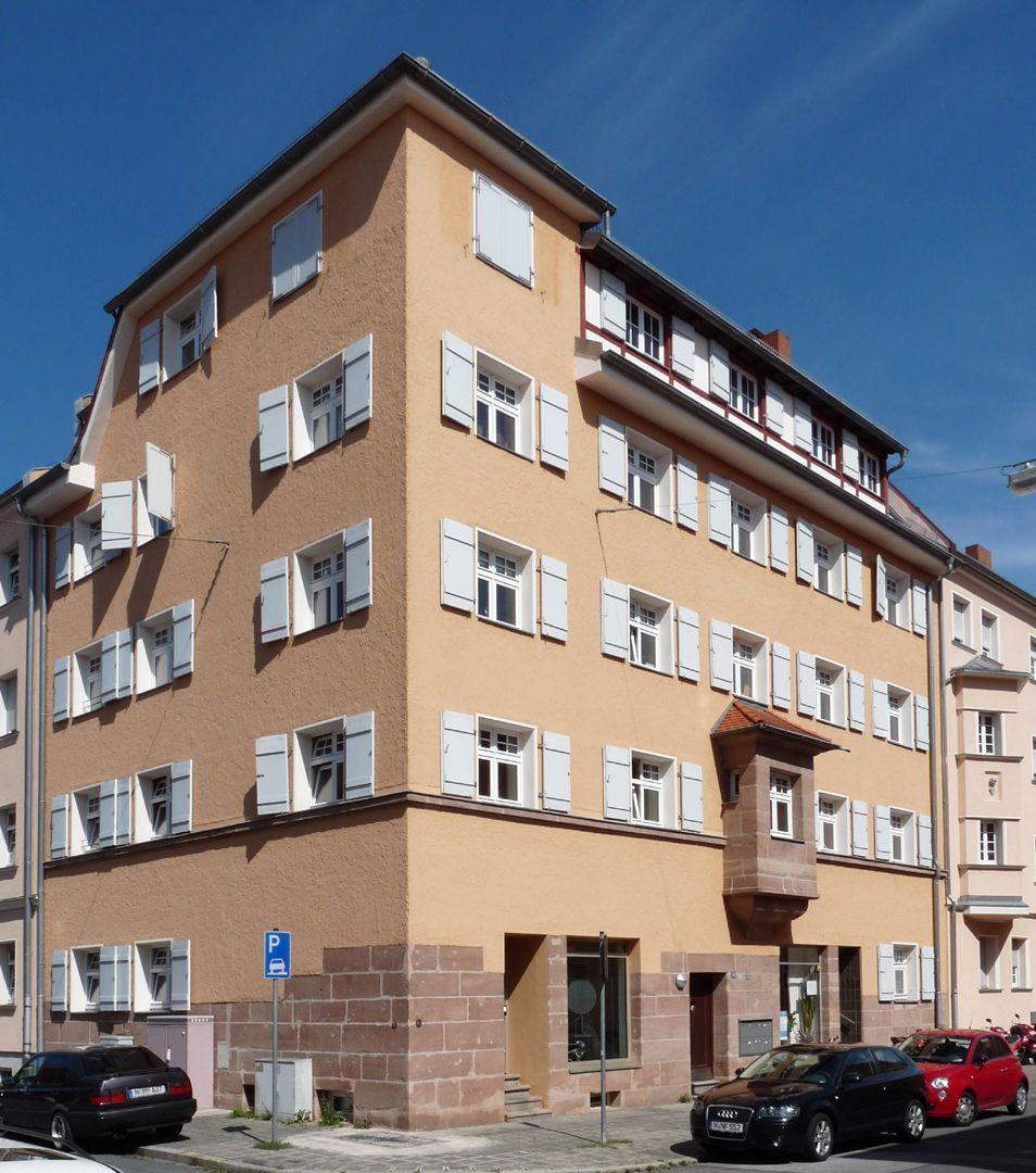 Residential house, Weichselstraße 10 Weichselstraße 10, corner Helenenstraße