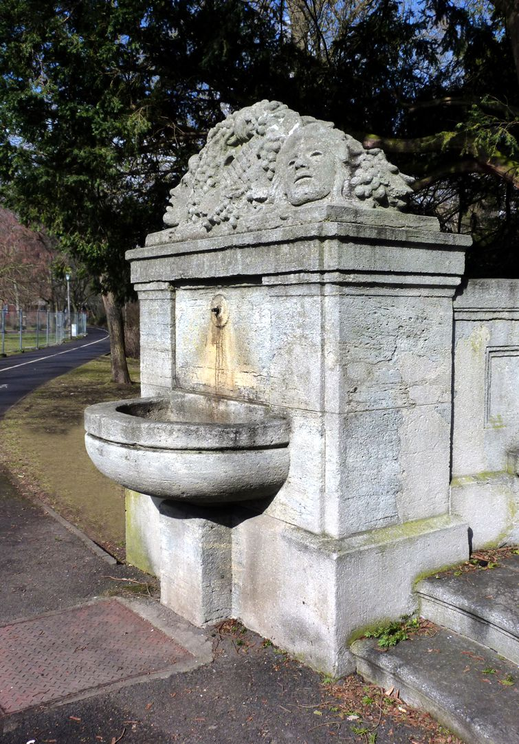 Schiller Monument Left fountain complex