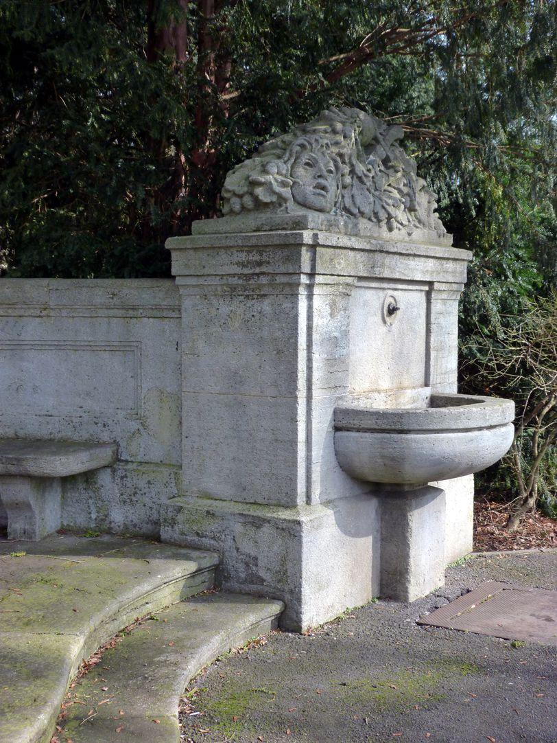 Schiller Monument Right fountain complex