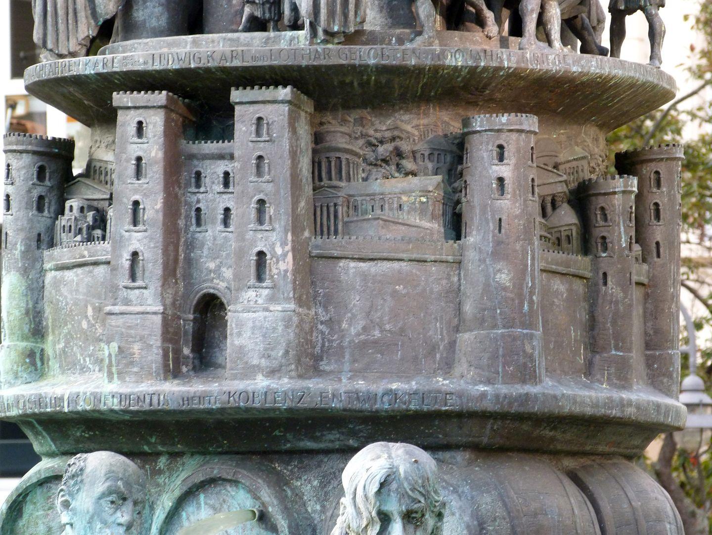 """History Column Castellum apud Confluentes (deutsch """"Kastell bei den Zusammenfließenden"""") / Koblenz, die Stadt an Rhein und Mosel"""