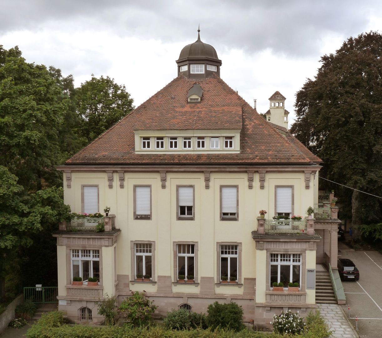Residential Building, Campestraße 17 East, resp. main front