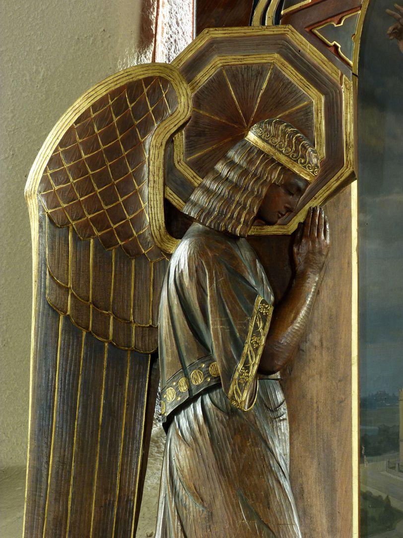 Jesus breitet segnend seine Hände über die Nürnberger Taubstummen-Anstalt aus Altargehäuse,  linken Hälfte,  Engel, Detailansicht