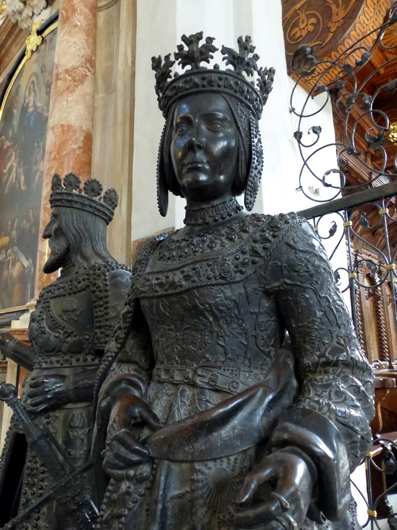 Joan of Castile (Innsbruck) Upper half of the statue