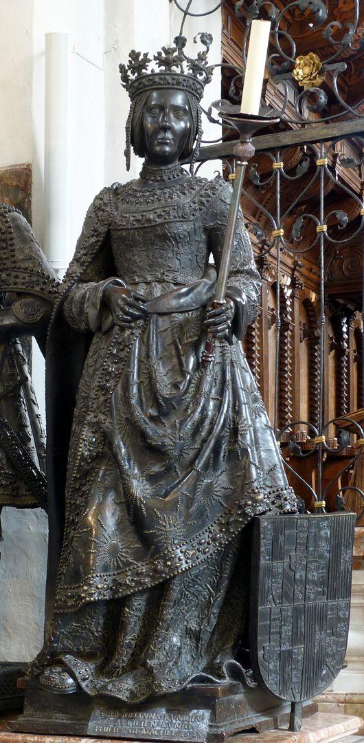 Joan of Castile (Innsbruck) Frontalansicht
